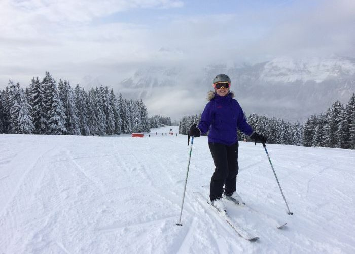 Lara Dunn skiing in Flaine