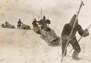 Nansen crossing of the Greenland icecap