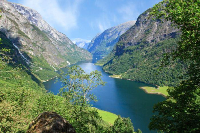 Naeroyfjord from Rimstigen