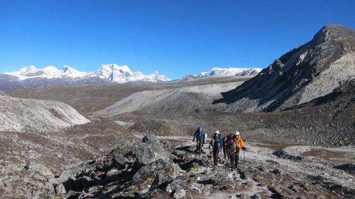 Heading towards Rinchenzoe La - The Snowman Trek, Bhutan