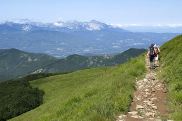 Views over views over the Garfagnana to the Alpi Apuane, Apennine Ridge trek, Italy