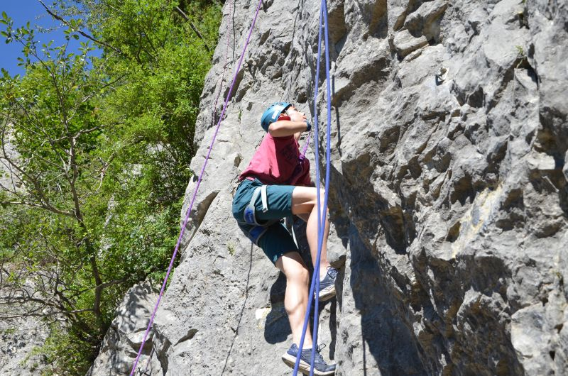 Rock-climbing-in-the-Southern-French-Alps