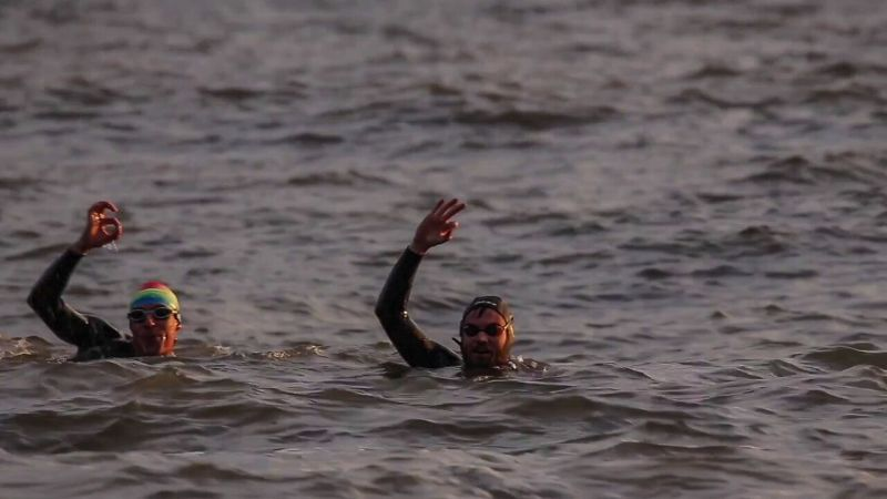 Kerran and Graham swim across Scotland