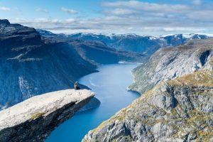 Troll's Tongue, Trolltunga, best hikes in Norway