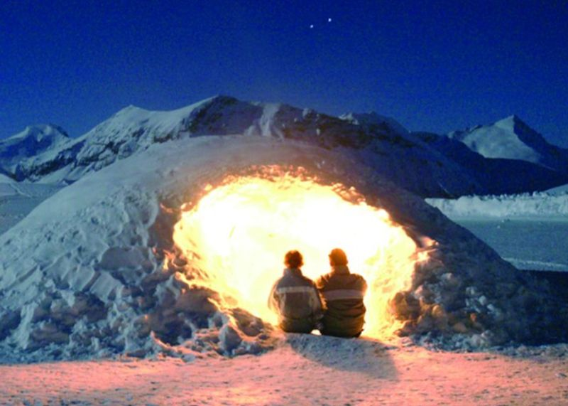 Igloo building in the French Alps