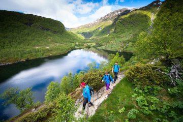 Hiking Aurlandsdalen in Norway