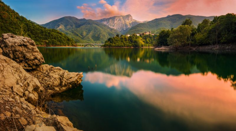 Lake Vagli, Tuscany, Italy