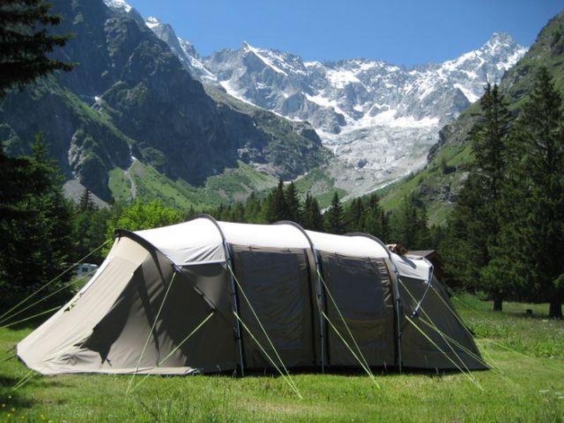 campsite Des Glaciers Switzerland