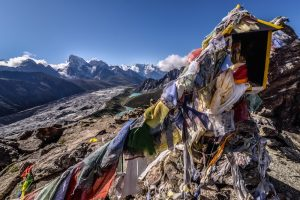 Gokyo Ri trek alternative to everest base camp, how to avoid crowds when travelling