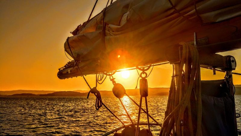 UK summer bucket list - sunset Maybe sailing holiday