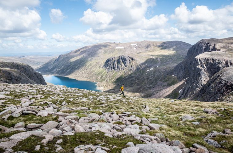 hiking ben macdui in the cairngorms