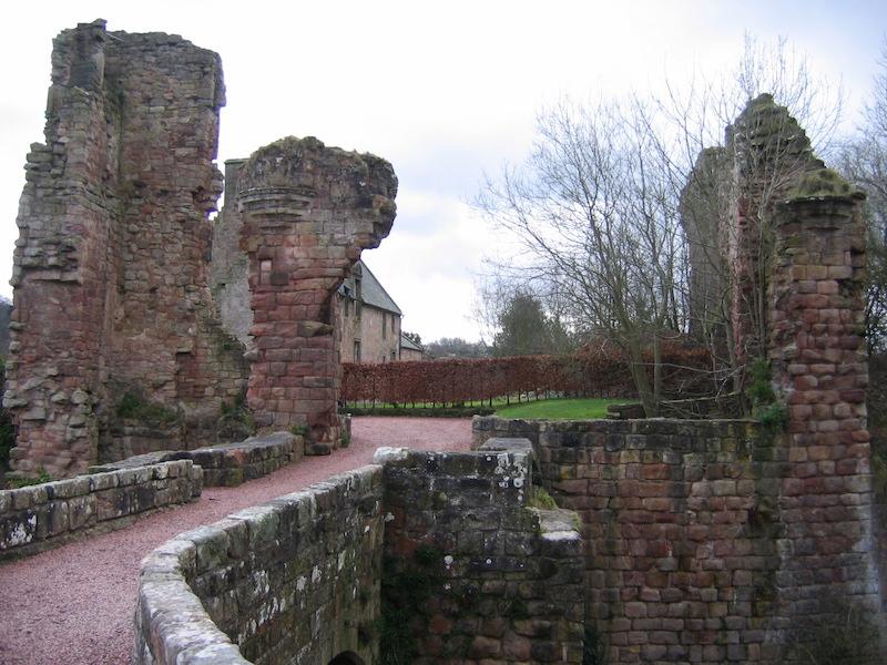 roslin castle in autumn - best cold weather walks in scotland