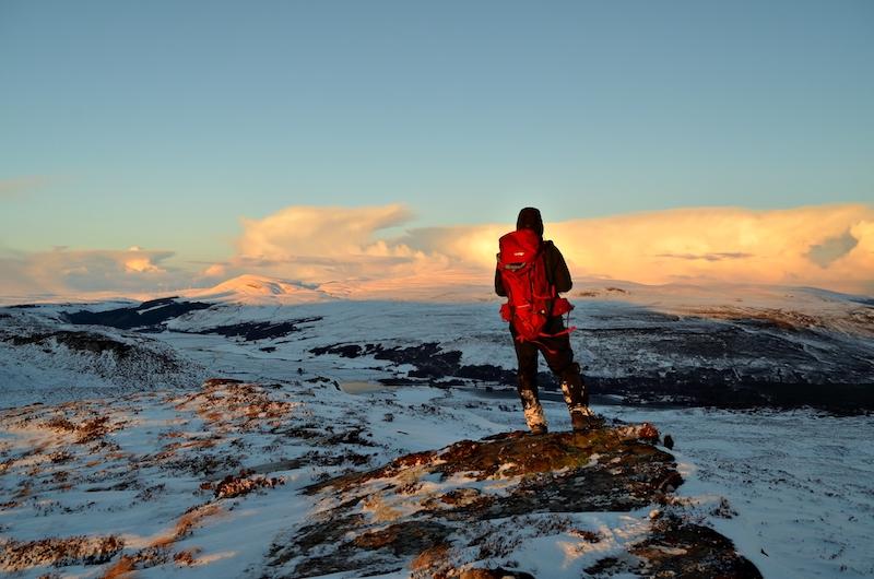 ways to keep warm on a winter hike