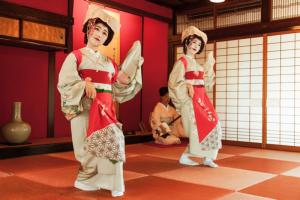 Maiko performance in Shonai