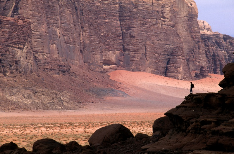 Wadi Rum desert trekking best hiking in jordan