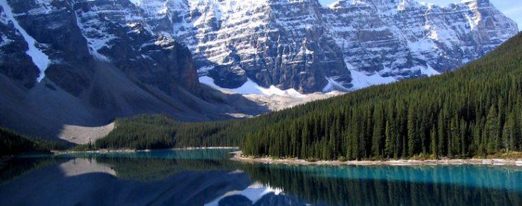 Moraine lake best adventures in the Americas