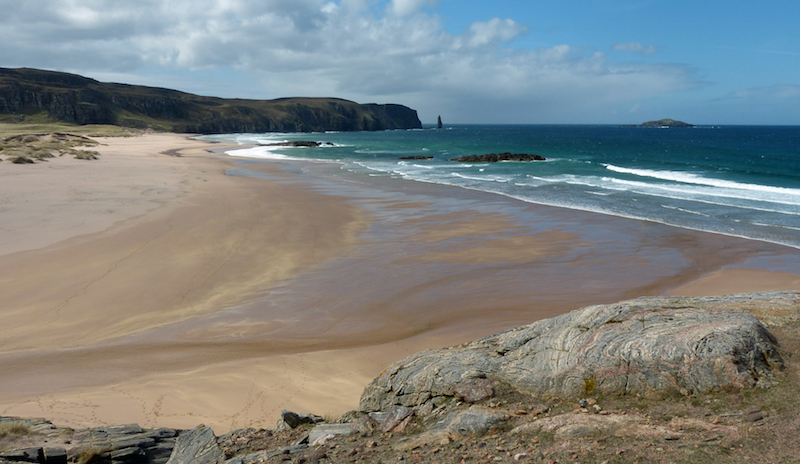 A view over Sandwood Bay in Scotland