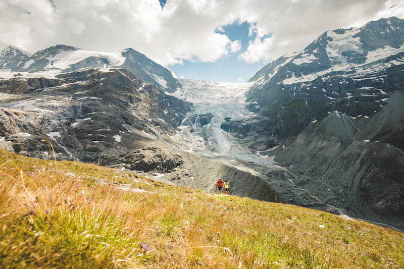 One magnificent view on the Alpine Passes Trail