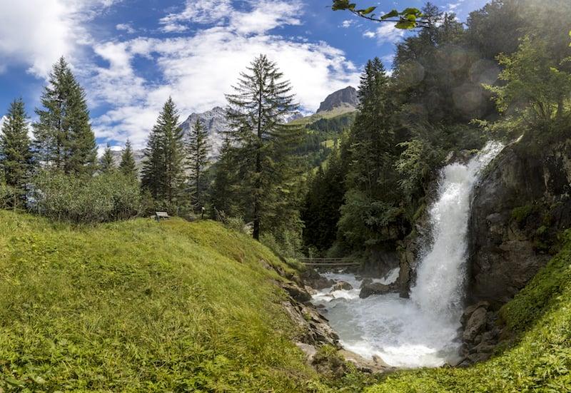Alphuetten und Wasserfaelle im Lauterbrunnental, Berner Oberland. ©DavidBirri