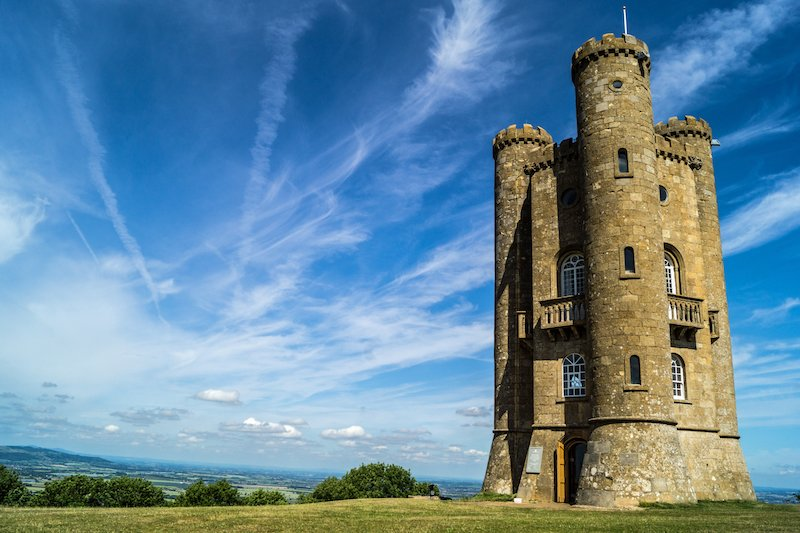 Broadway Tower walk, one of the most famous Cotswolds walks for excellent scenery