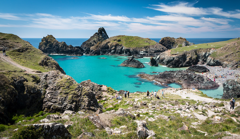 Kynance Cove on the walk from Lizard Point to Mullion Cove, best walks in Cornwall
