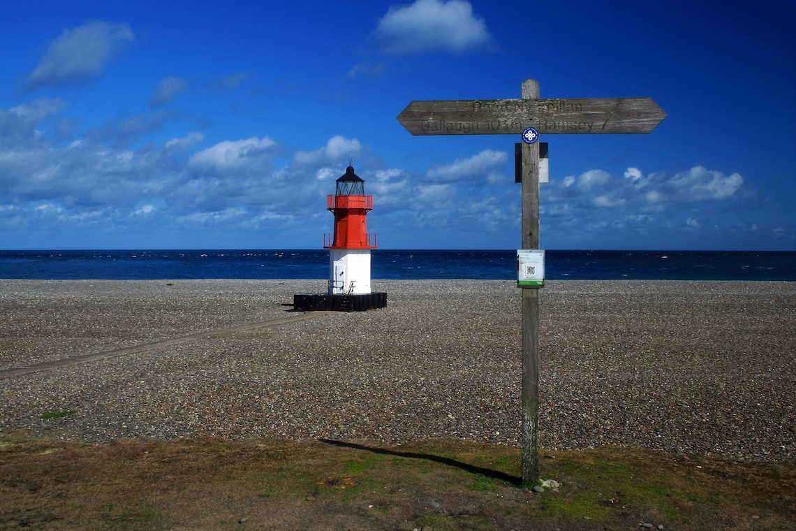 way of the gull signpost