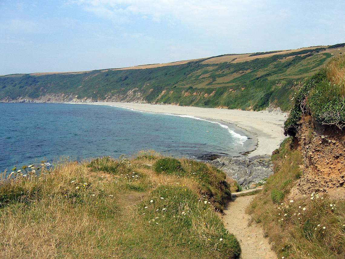 Beach near Gorran Haven on one of the best circular walks in cornwall