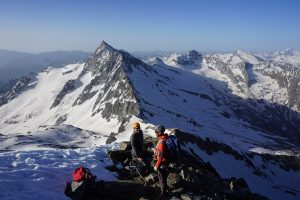 Weismeis, one of the easiest 4,000m peaks to climb for beginners