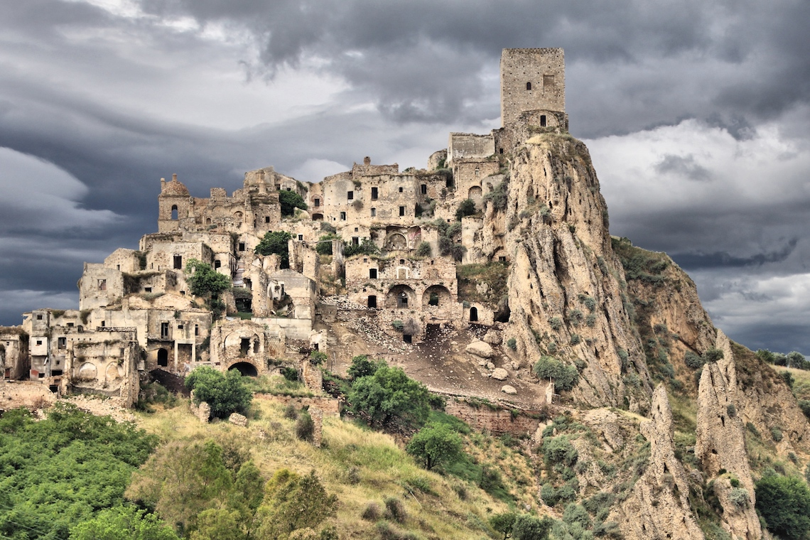 ghost town of craco, a visit is one of the best adventures in Southern italy