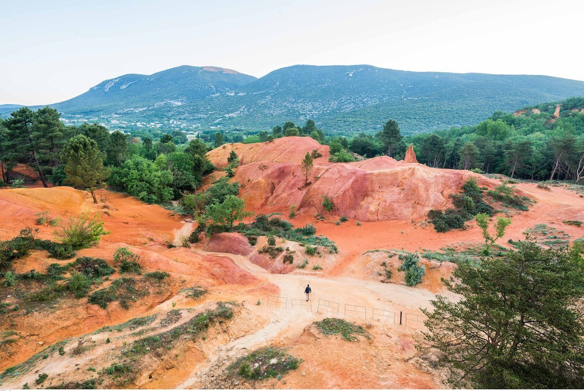 Ochres trail best hikes in the luberon