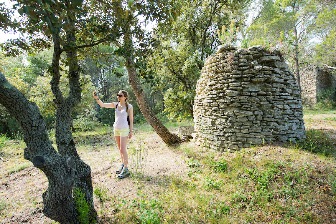 bories hiking in the Luberon