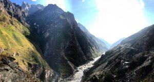 A ravine on the yangtze river - ash dykes mission yangzte