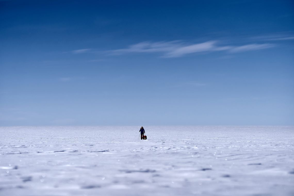 Antarctica-frozen-landscape-south-pole